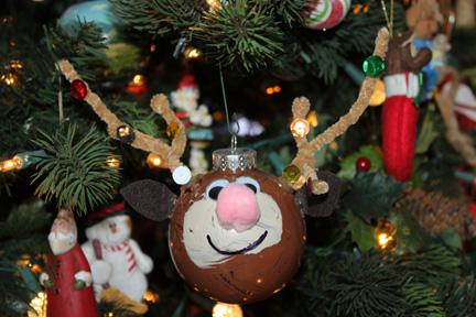 ornaments4-w