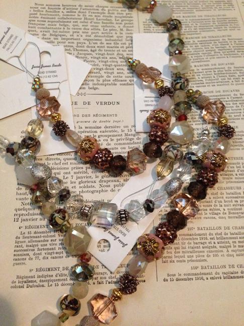 beads-w