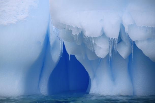 icebergs3-w