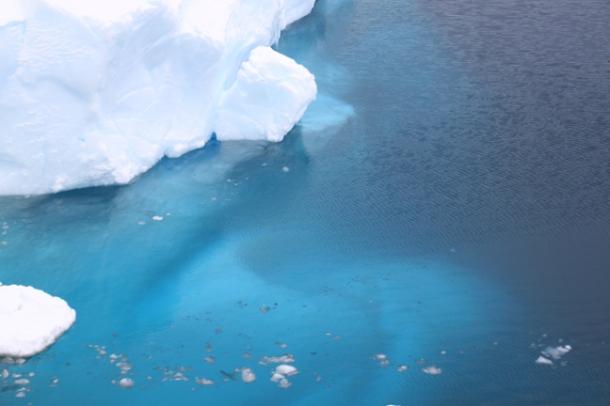 icebergs6-w