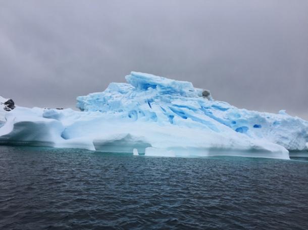 icebergs7-w