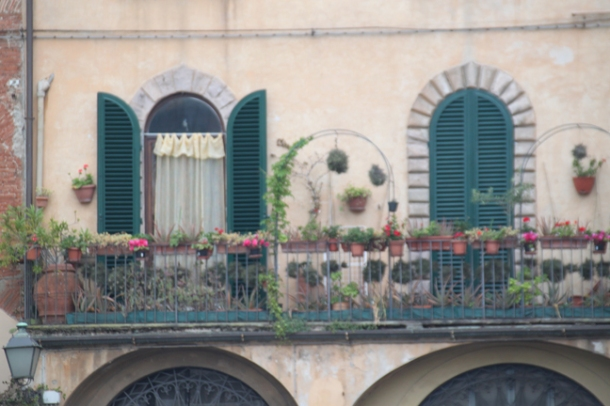 lucca2w