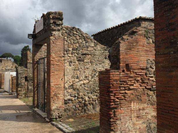 pompeii8w