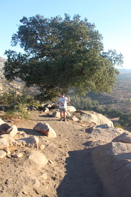 hiking4-w