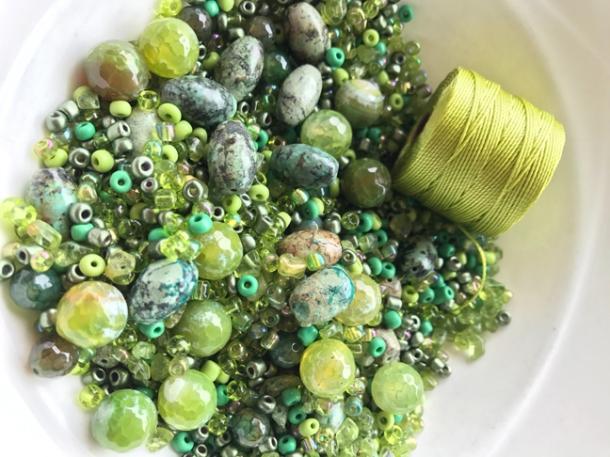 beads2-w